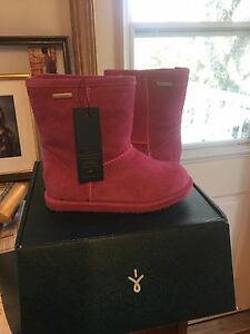 Brand new EMU (uggs) girl boots size 13