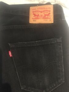 Black Levi's 501 button fly