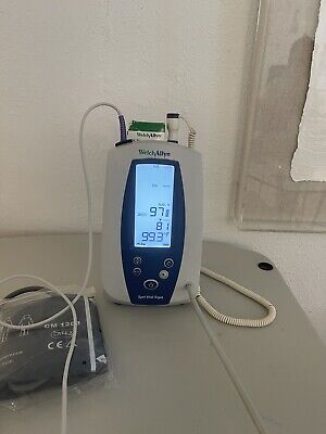 Welch Allyn Spot Vital Signs 420 42ntb Monitor Spo2 Nibp Temp Patient Ready