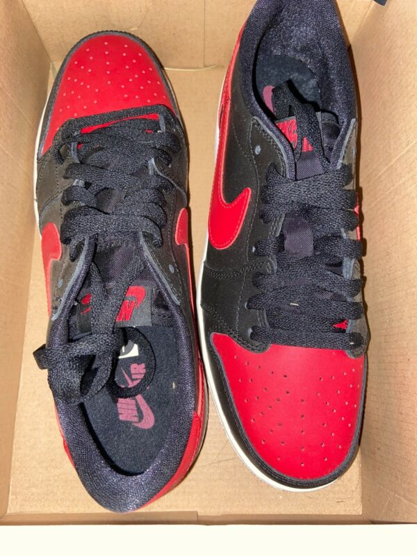 Nike Air Jordan 1 Retro Low Og Bred 709999 001 size 7 Y. (8.5 women's) (40 euro)