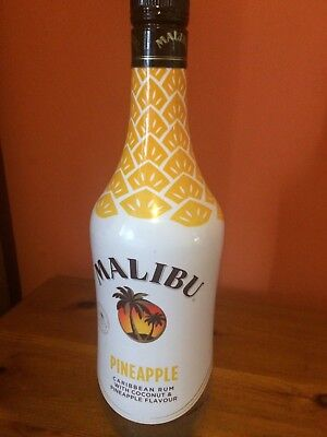 MALIBU EMPTY BOTTLE CARIBBEAN RUM WITH PINEAPPLE AND COCONUT FLAVOUR COLLECTIBLE](Pineapple And Rum)