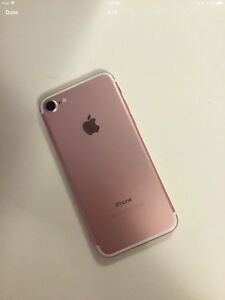 IPHONE 7 32GB ROSE GOLD MUST SELL