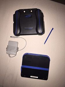 Black and blue 2ds