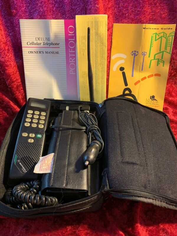 Vintage Motorola Dynasty Portable Cell Phone early 1990