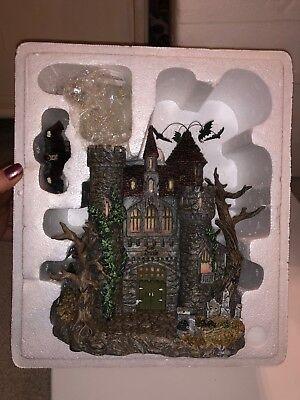 Hawthorne Village - Dracula's Castle - Universal Monsters Halloween - 2005 ()