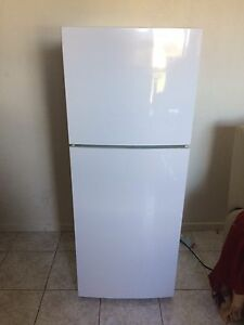 Haier 224L fridge freezer immaculate condit PU Reservoir Delivery free St Kilda Port Phillip Preview