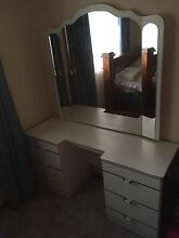 Dresser, draws and mirror Leppington Camden Area Preview