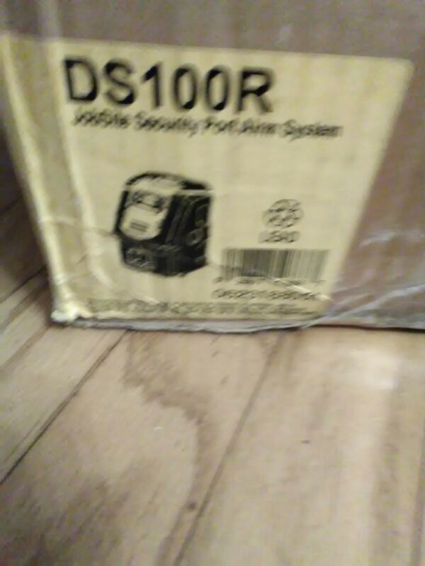 DEWALT Jobsite Security Alarm System DS100 - opened and some  new