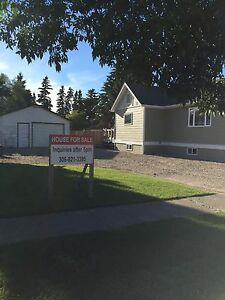 4 Bedroom House for sale in Melfort