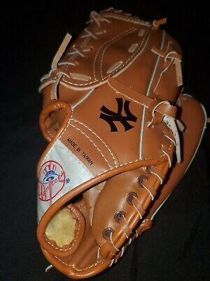New York Yankees Coca Cola Coke Baseball Glove Mitt SGA 2606 RHT