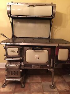 1941 Findlay Oval wood burning stove...