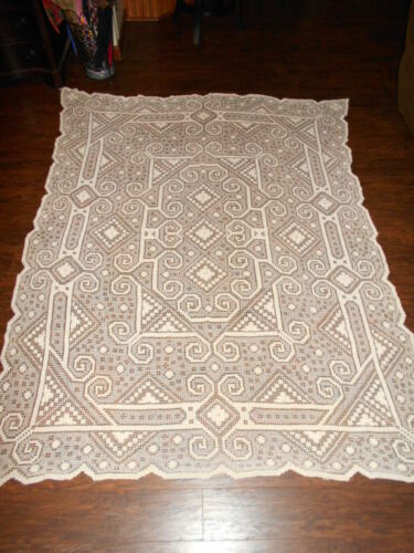 Beautiful Vintage Handmade Ivory Crochet Lace Tatted Tablecloth Topper 96 x 78