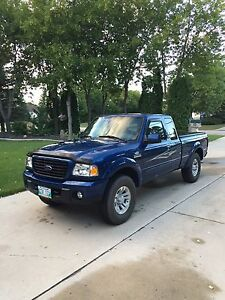 2009 Ford Ranger Sport 4x4, with only 76,000 Km