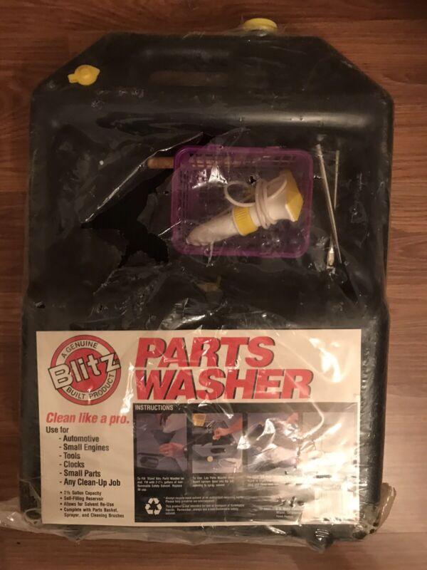 Vintage Blitz Portable Automotive Parts 2.5 Gallon  Small Engine Parts Washer