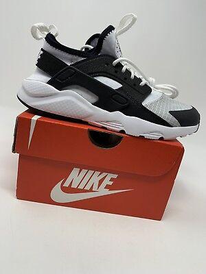BOYS: Nike Huarache Run Ultra Shoes, Black & White - Size 2Y 859593-101