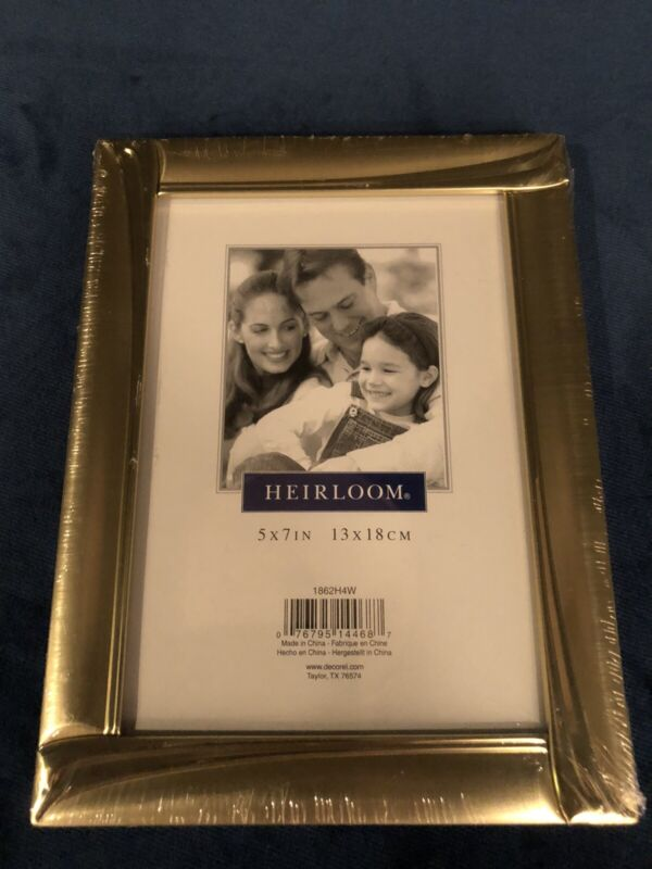VINTAGE BRASS PICTURE FRAME 5x7 Photo. DECOREL New In Shrink Wrap.