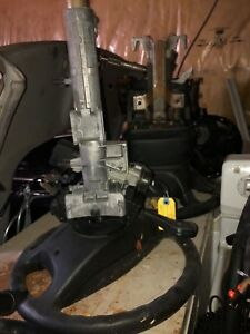 2005 BMW 320I steering wheel with airbags