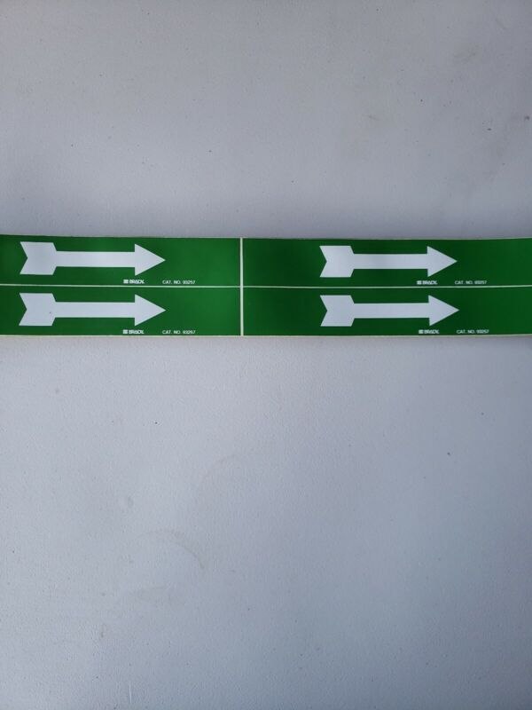 Green Arrows Pipe Markers