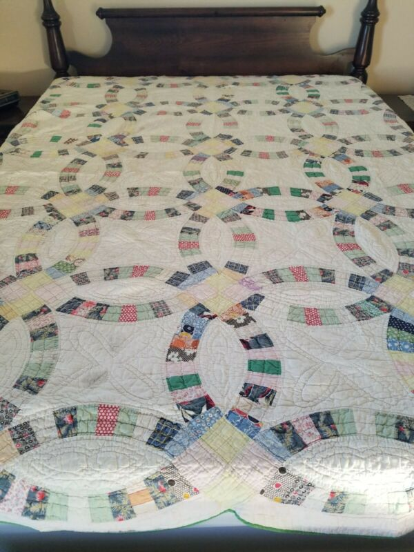 Vintage 1940s Double Wedding Ring Quilt 82x68