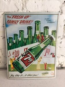 Enseigne 7up a relief