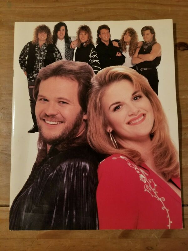 Vintage 1993 Travis Tritt Trisha Yearwood  Little Texas tour Program