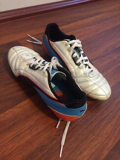 Boys Puma universal footy/soccer boots  Baldivis Rockingham Area Preview