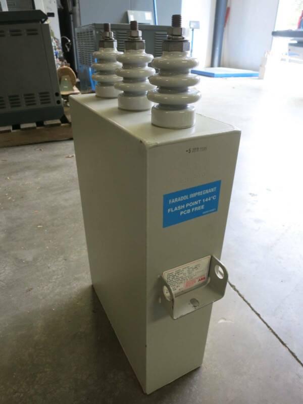 ABB EHKF19 200 kVAR 4800 VAC 60 Hz 26/75 kV 3 Phases WYE Capacitor STD18 4800V