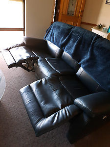 3 seather leather electronic recliner Kwinana Beach Kwinana Area Preview