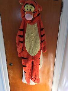 Tigger costume 3T-4T