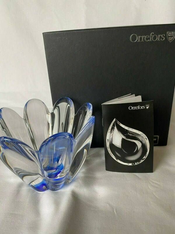 "ORREFORS CRYSTAL CORONA  BOWL VASE 5 1/4"" diam x 4"" ht,  DECOR GIFT, CLEAR/ BLUE"
