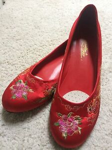 Red shoes size 8 ask for $20
