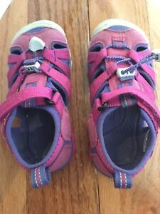 Toddler size 9 Keen Sports Sandals