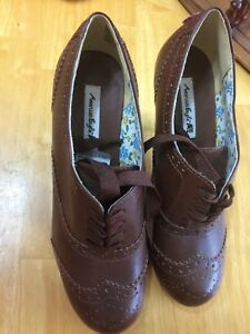 American eagle brown shoes