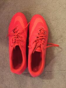 NIKE HYPERVENOM X INDOOR TURF SOCCER SHOES MINT CONDITION