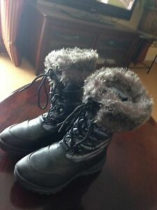 Cougar Winter Boots, size 7