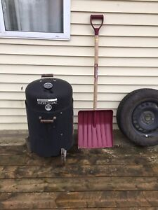 Charcoal Smoker /bbq | upgraded & everything incl