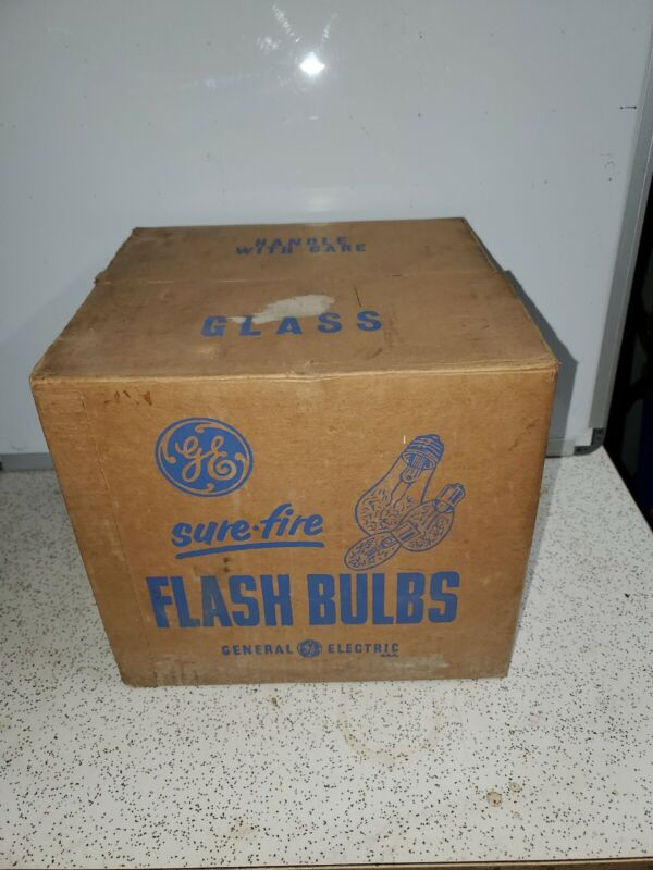 Vintage GENERAL ELECTRIC SURE-FIRE FLASH BULBS / SM PHOTOFLASH CAMERA BULBS