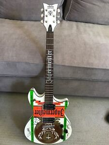 Jagermiester guitar signed by band Corn. 2000. Obo