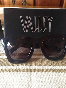 Valley sunglasses Wembley Cambridge Area Preview