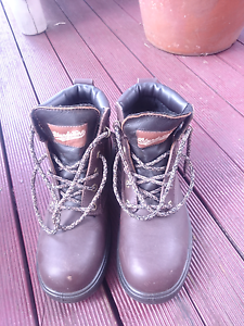 Work boots Doubleview Stirling Area Preview
