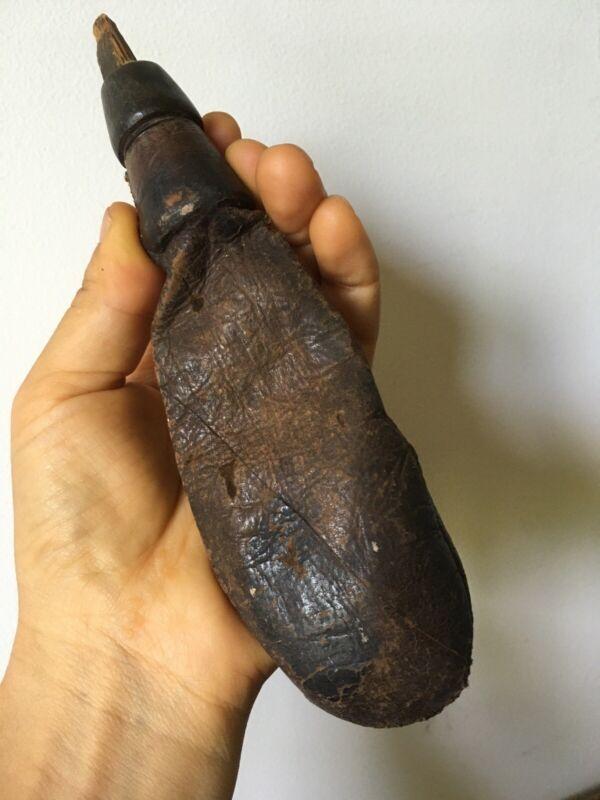ANTIQUE 18th C Revolutionary War American Leather shot/powder Flask FULL!!