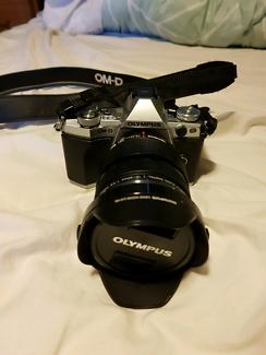 Olympus OM-D E-M5 Mk II + 12-40 f2.8 pro Lens