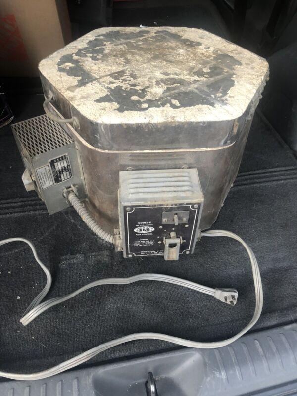 Paragon Sitter  Kiln Model P, 1800 Watt, 120 Volt, 15 Amp, Tested. Heats Up Fast