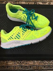 New Balance SIZE 11 Running Shoes