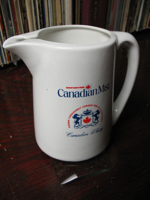CANADIAN  MIST  WHISKY  DECANTER 1  LITER  EXCELLENT !!!