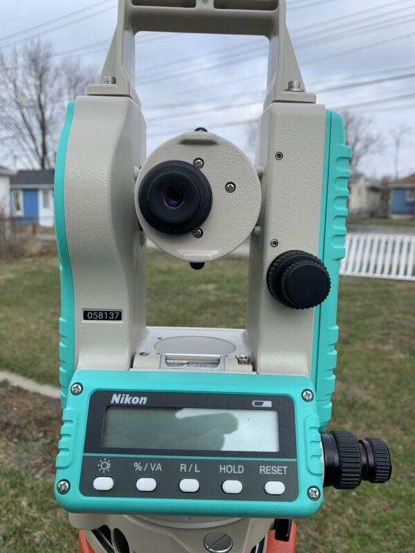 Nikon NE 100 Electronic Digital Theodolite Construction. With Case