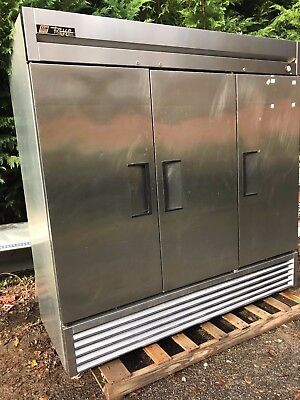 True T-72f 3 Door Freezer On Casters Tested Working Well Good Used Unit 78long