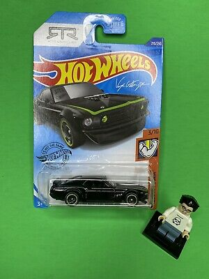 Hot Wheels 2020 '69 Ford Mustang Boss 302 Black RTR Vehicles Muscle Mania New