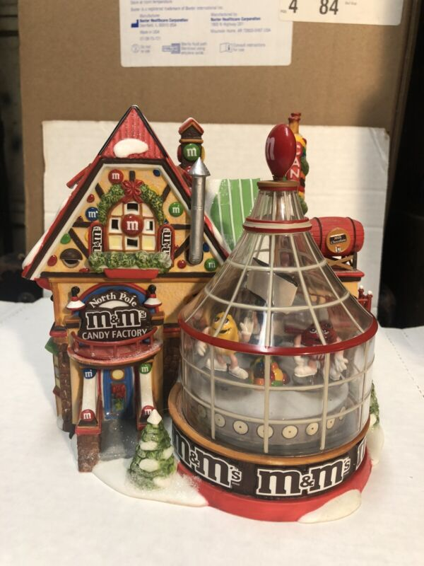 M &M 2004 Dept 56 North Pole Candy Factory Lighted & Animated