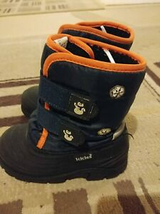 Size 9 kids boys winter boots - Icicles